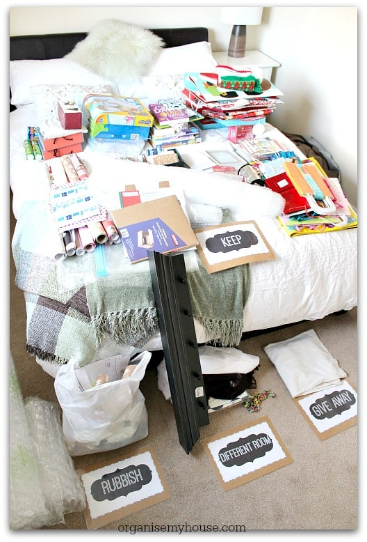 493b. Gift station decluttering