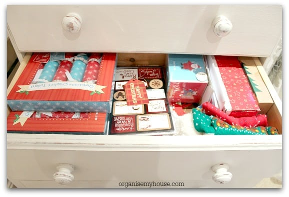 493e. Gift station christmas drawer