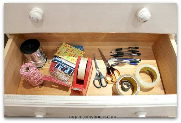 493g. Gift station wrapping drawer