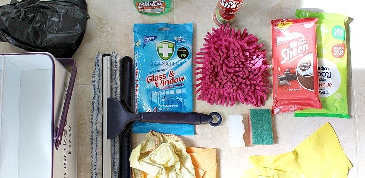 Cleaning kit to get your home sparkling!