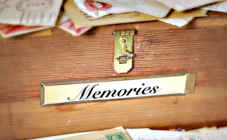 Memory box & How (and why!) to create a Memory Box - store all your memories easily Aboutintivar.Com
