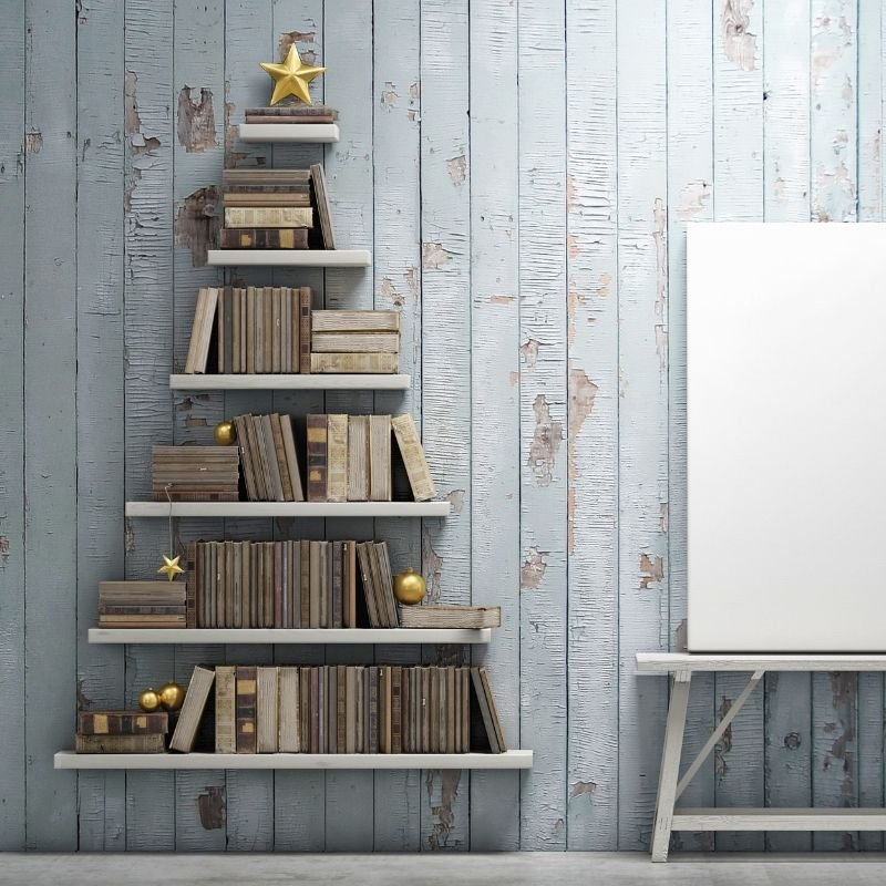 Bookcase made to look like a Christmas tree