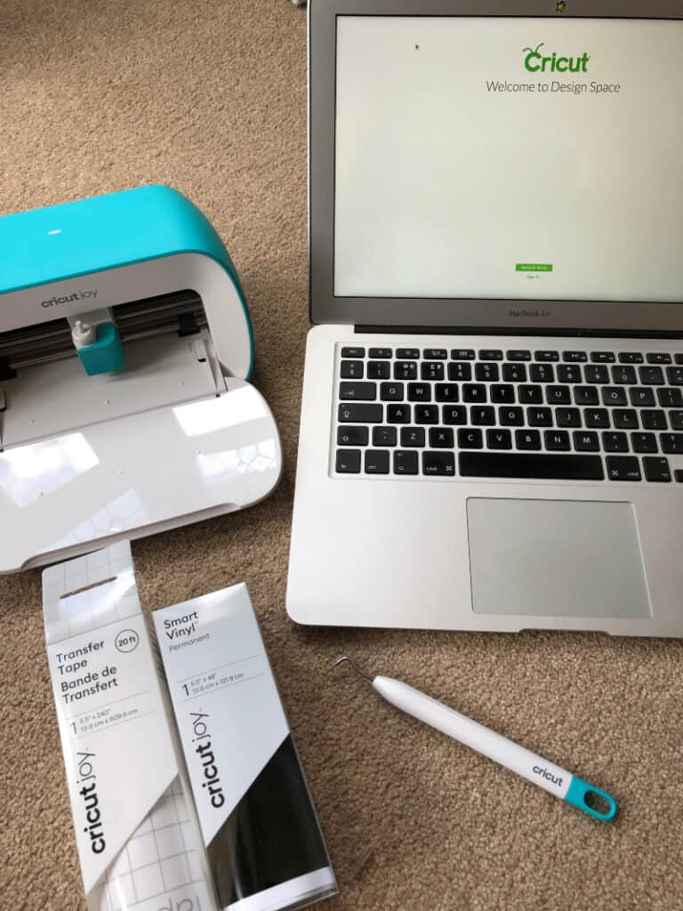All items needed to make labels with the Cricut Joy